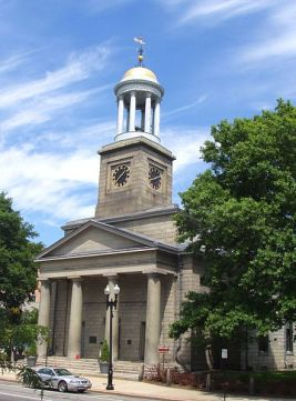 United_First_Parish_Church_(exterior),_Quincy,_Massachusetts